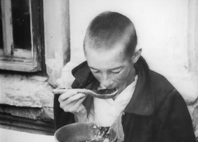 Kind während der Hungersnot in Russland