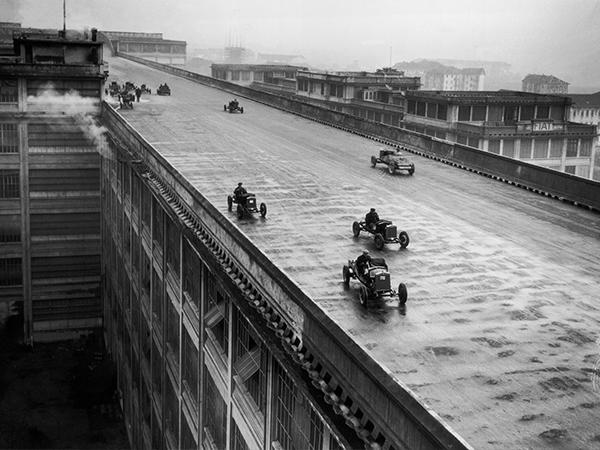 Fiat-Teststrecke auf Fabrikdach