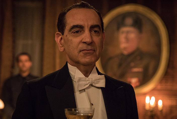 Silvio Crespi, gespielt von Gennaro Cannavacciuolo, in der TV-Serie Krieg der Träume