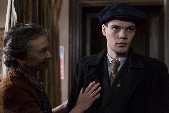 Stepan Podlubny, gespielt von Pyotr Skvortsov, in der TV-Serie Krieg der Träume